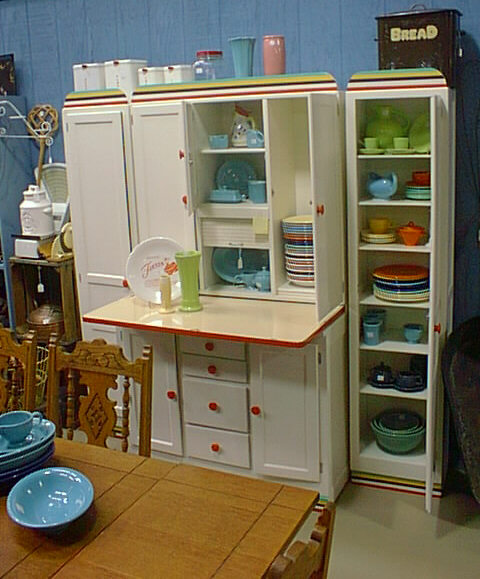 Retro Kitchen Design You Never Seen Before: FIESTA FEVER NEVER STOPS